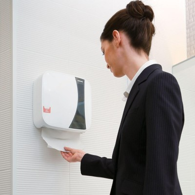 Диспенсер для бумажных полотенец PHG-400 в интерьере
